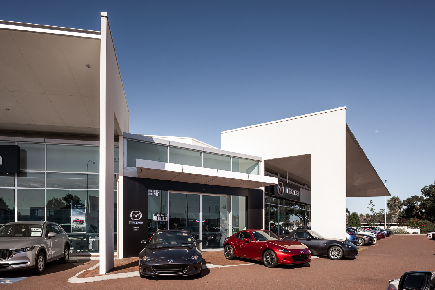 Parkland mazda outer fitout