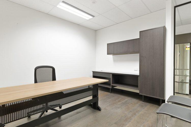 Office8-03